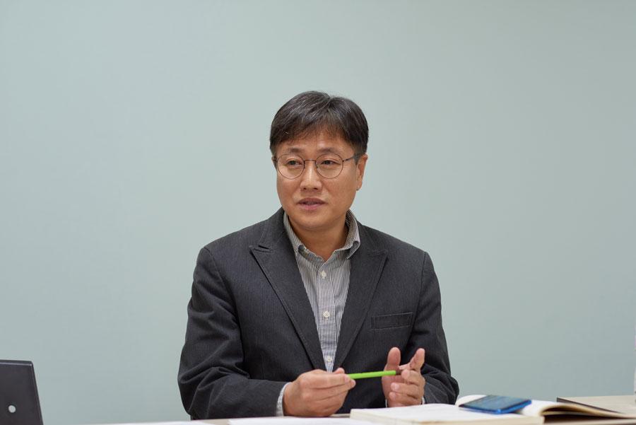 정철 한국예술인복지재단 운영본부 본부장